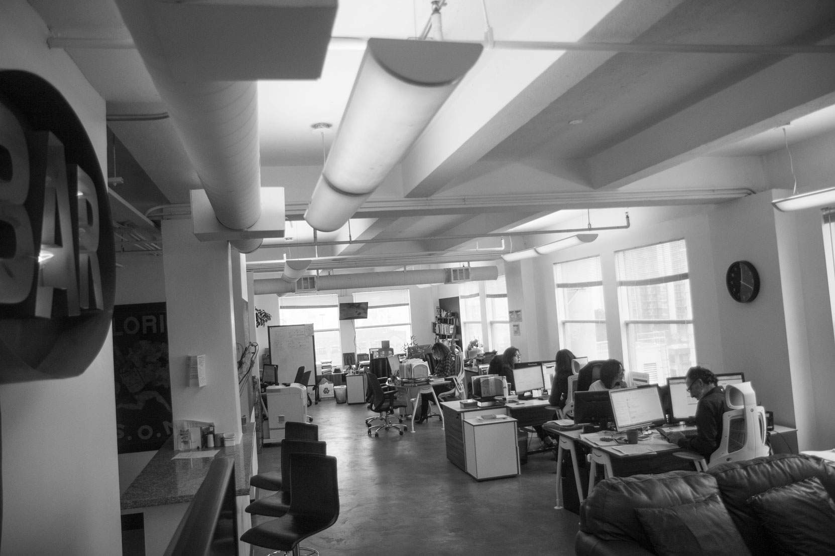 d2H Advertising Agency Collaborative Work Environment